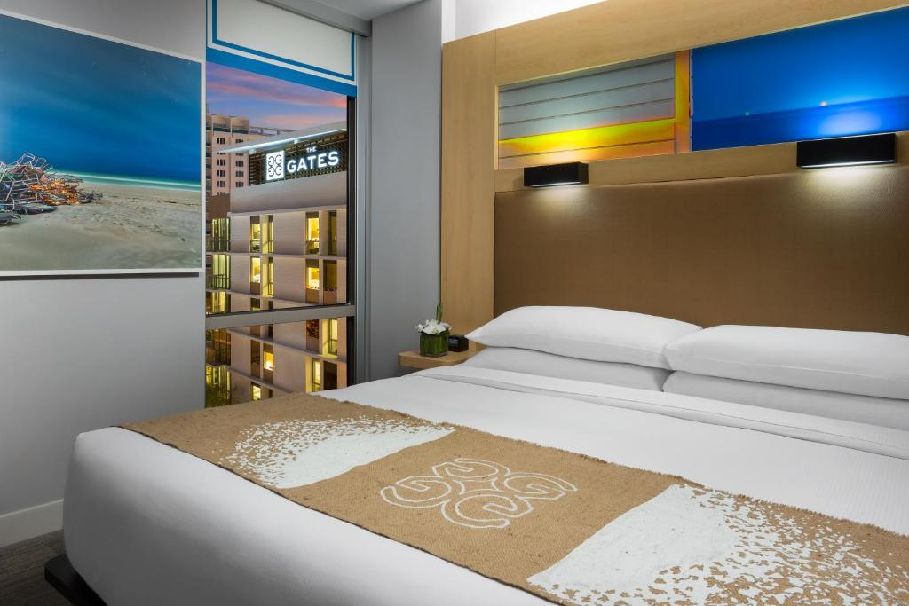 The Gates Hotel Miami Rooms
