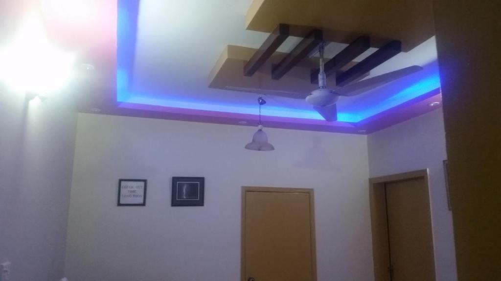 Shayan Inn Guest House