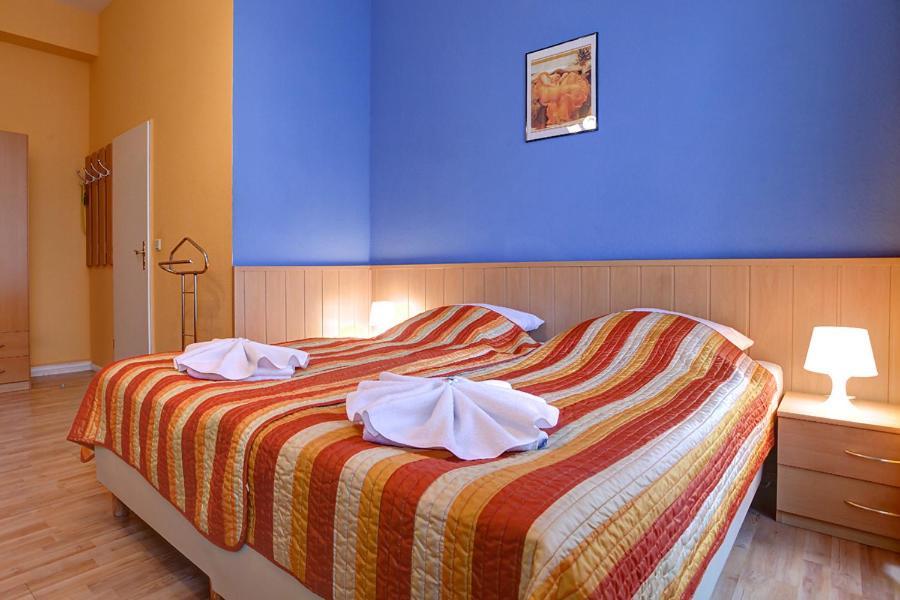 Hotel Pension Am Savignyplatz Berl 237 N Reserva Tu Hotel