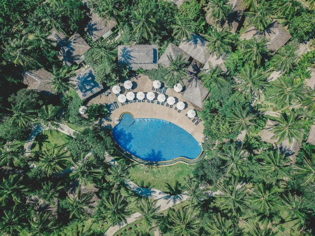 Una vista de la pileta en Ban Sainai Resort o alrededores
