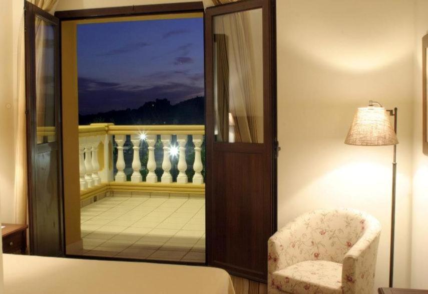 Sercotel hotel cortijo santa cruz villanueva de la for Canape 06700