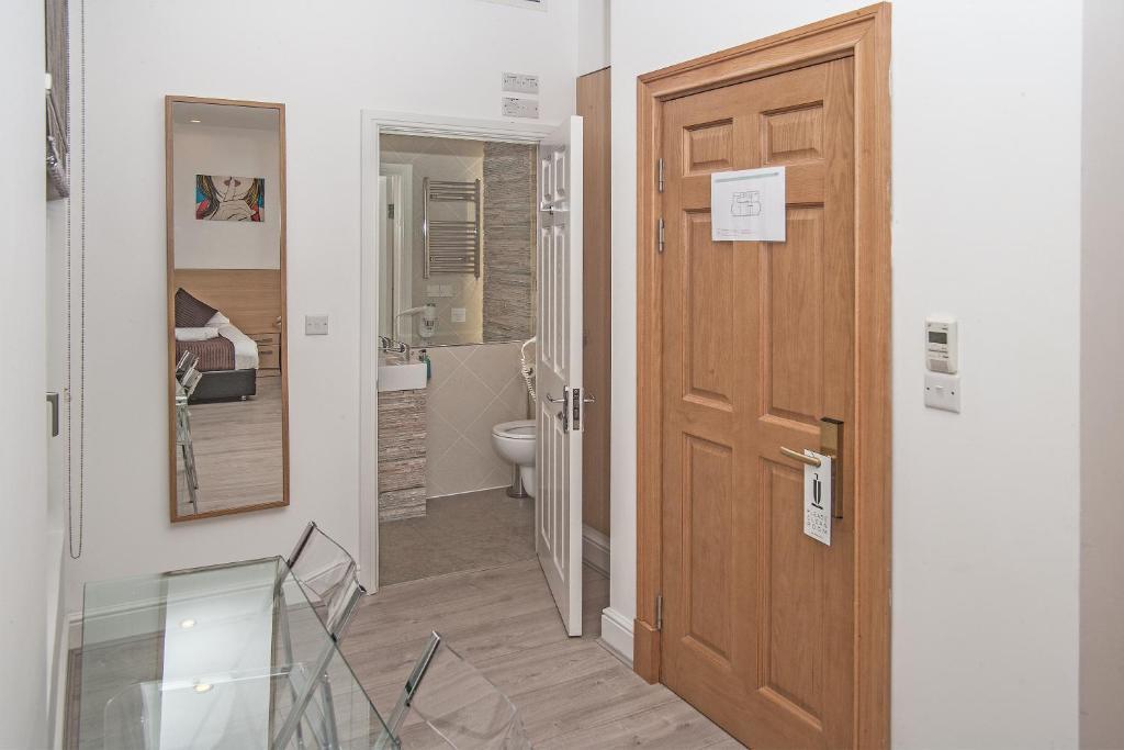 88 studios london informationen und buchungen online. Black Bedroom Furniture Sets. Home Design Ideas