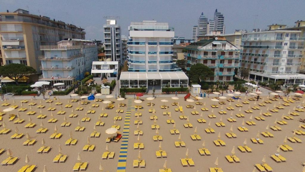 Hotel Jesolo Con Piscina Sul Tetto