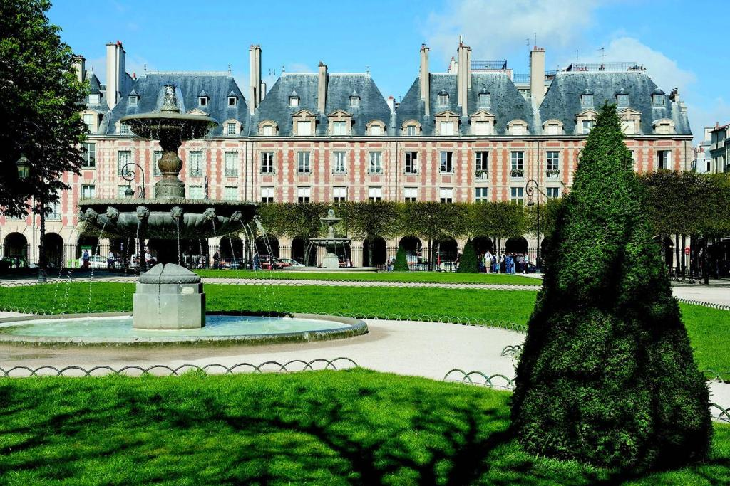 10 design flat paris grand boulevards paris online for Flat hotel paris
