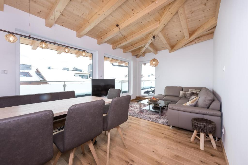 Appartements sulzer zell am see book your hotel with for Designhotel zell am see living max