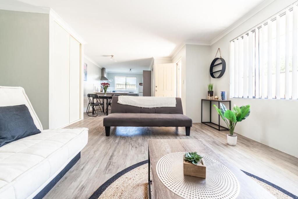 Bonito Muebles De Exterior Perth Alquiler Imágenes - Muebles Para ...