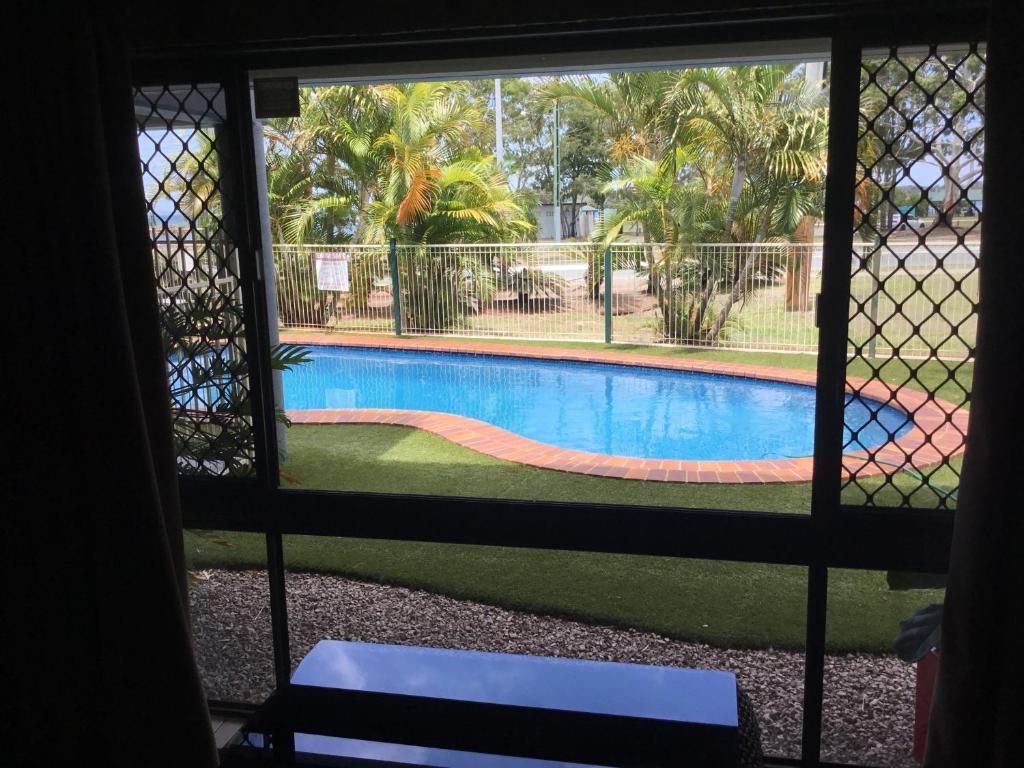 Bribie waterways motel bongaree reserva tu hotel con for Motel con piscina privada