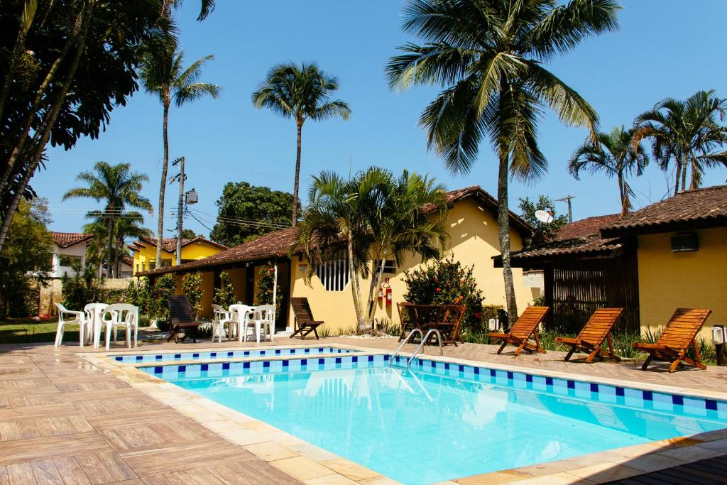 A piscina localizada em Arco Iris Chalés I ou nos arredores