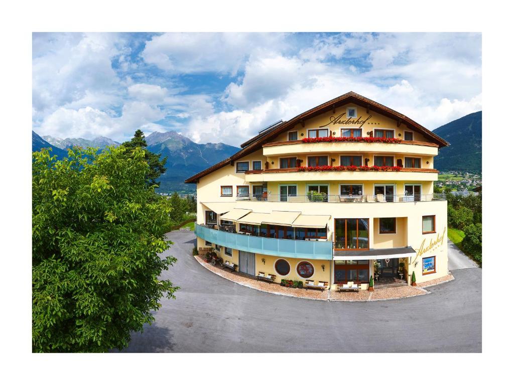 Hotel arzlerhof imst reserva tu hotel con viamichelin for Jardin de invierno loi suites