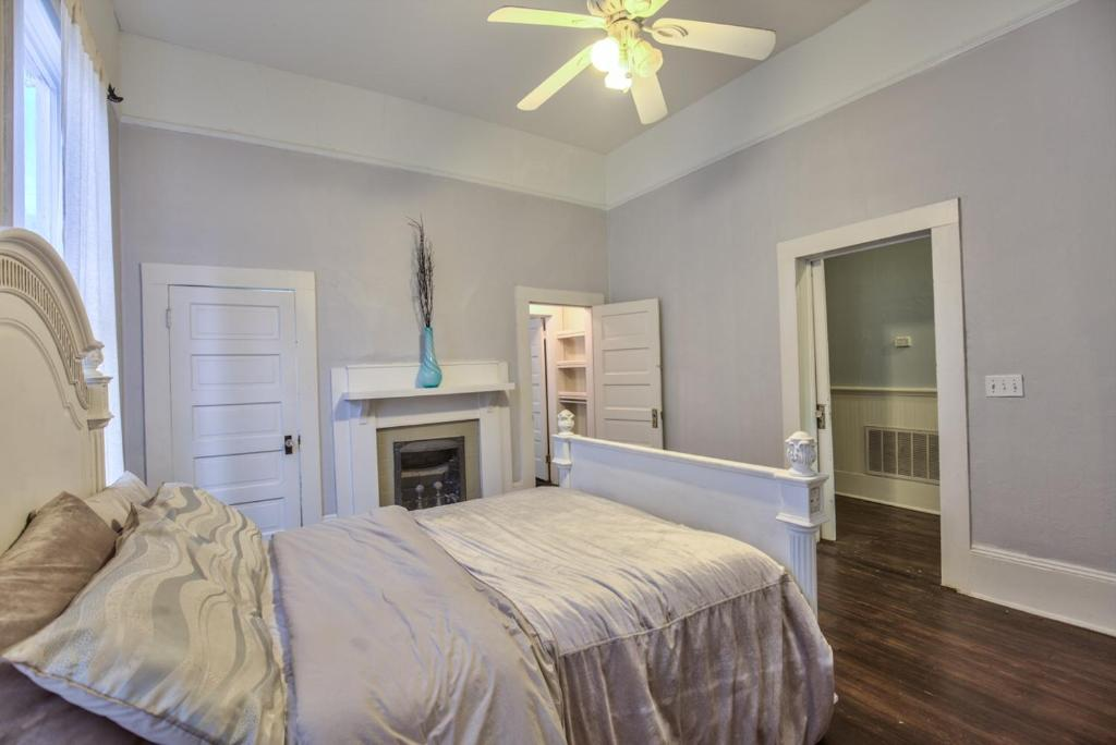 Classic Modern Downtown Home Valdosta Book Your Hotel With Viamichelin