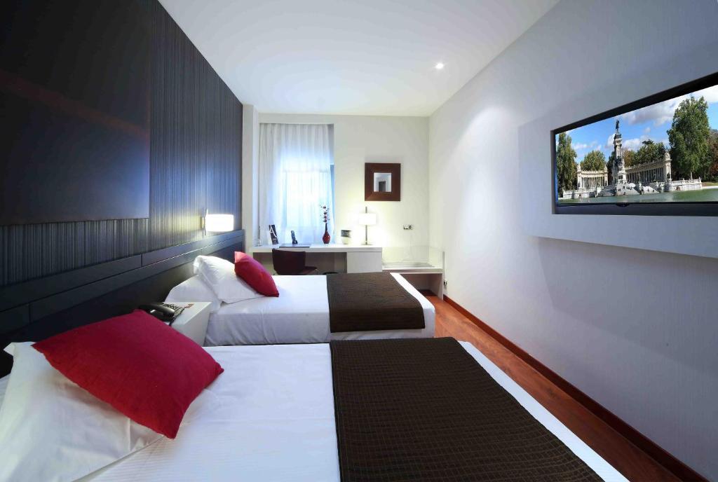 Amura alcobendas alcobendas reserva tu hotel con - Piscinas cubiertas alcobendas ...