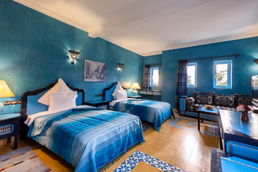 Chambre bleu turquoise et taupe photos de conception de for Chambre bleu et taupe
