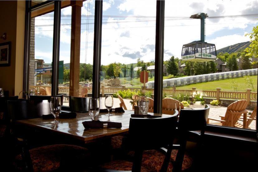 Jay peak resort r servation gratuite sur viamichelin for Glissade interieur jay peak