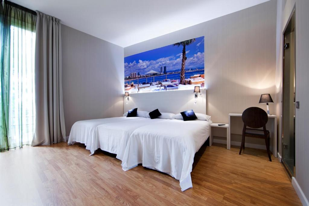 chambres d 39 h tes hostal bcn ramblas chambres d 39 h tes barcelone. Black Bedroom Furniture Sets. Home Design Ideas
