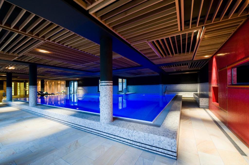 hotel restaurant erbprinz ettlingen book your hotel with viamichelin. Black Bedroom Furniture Sets. Home Design Ideas