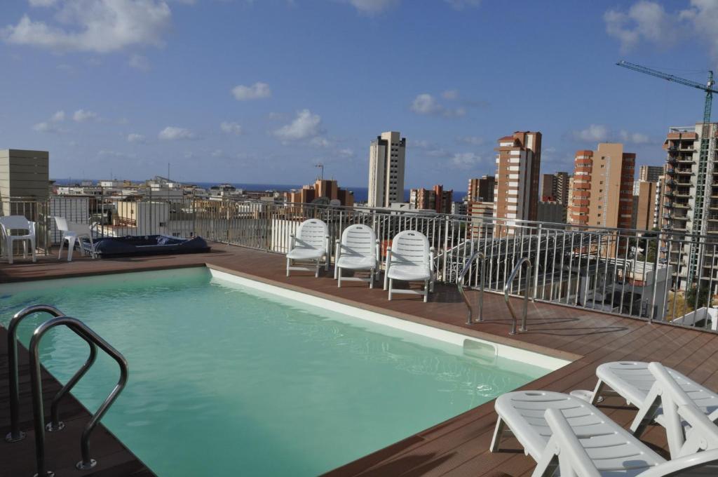 Sol y sombra benidorm reserva tu hotel con viamichelin - Hoteles con piscina cubierta en benidorm ...
