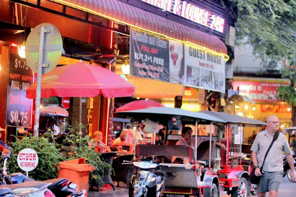 Grand Waterfront Hotel Phnom Penh
