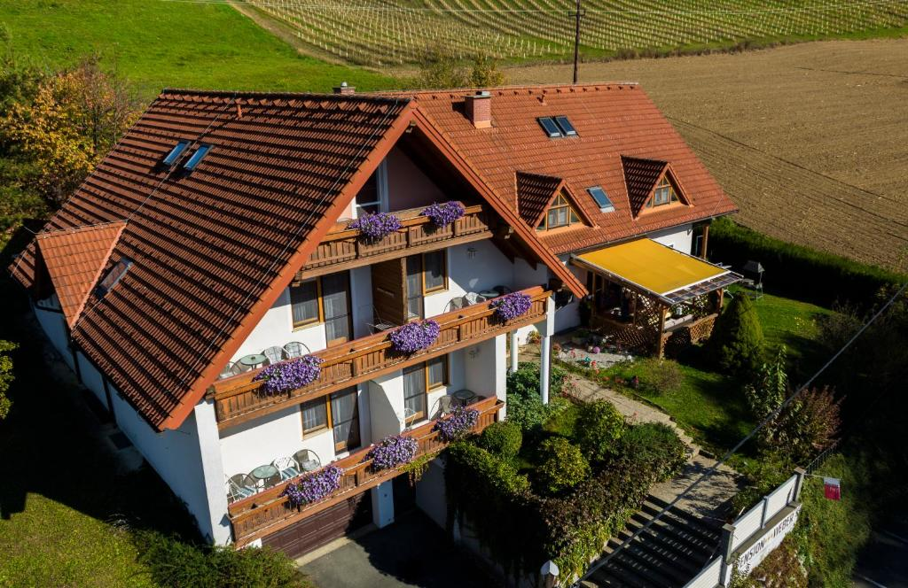 Pension weber jennersdorf online booking viamichelin for Pension weber