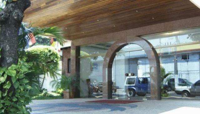 Hotel portal del sol luque prenotazione on line for Hostal portal del sol