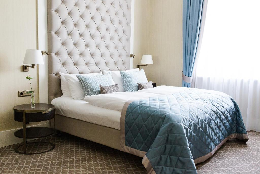 steigenberger grandhotel petersberg k nigswinter. Black Bedroom Furniture Sets. Home Design Ideas