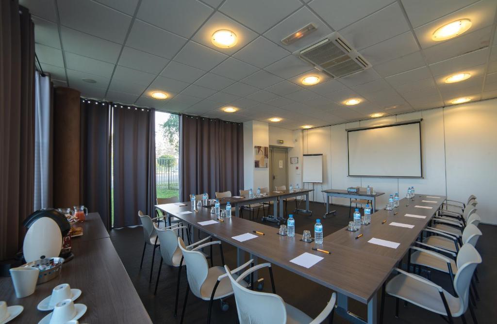 Astoria appart 39 h tel agen reserva tu hotel con viamichelin for Appart hotel agen