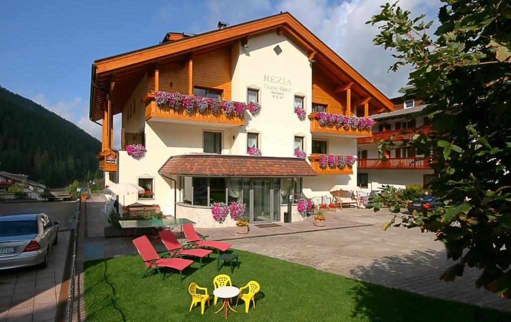 Garni hotel rezia selva di val gardena for Design hotel val gardena