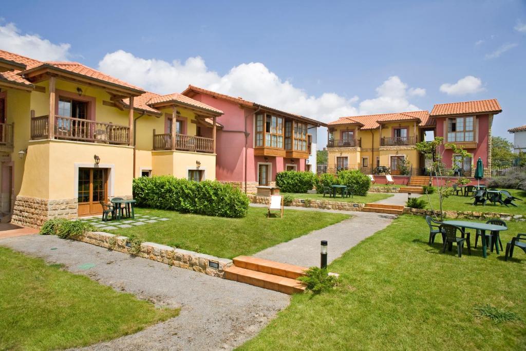 Apartamentos rurales antojanes oviedo reserva tu hotel con viamichelin - Apartamentos baratos asturias ...