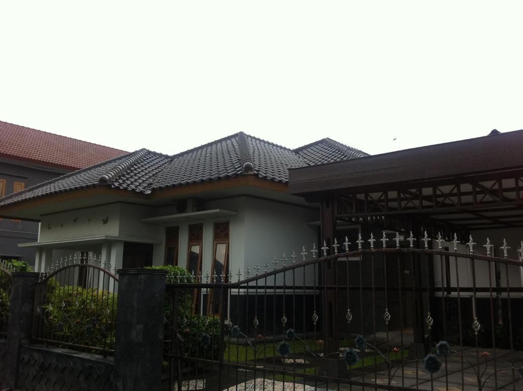 Line Art Yogyakarta : Griya kalimantan yogyakarta prenotazione on line