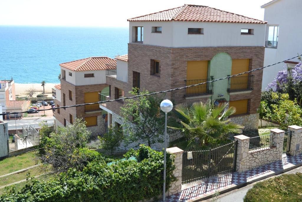 Chalets Torrent (Espanha Canet de Mar) - Booking.com