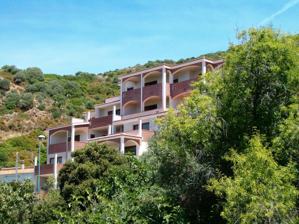Casa vacanze le ginestre italia badesi for Casa vacanze milano
