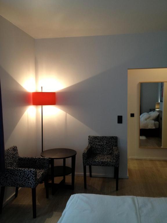 Guest house au coin de la rue r servation gratuite sur for Au jardin guest house riebeeckstad