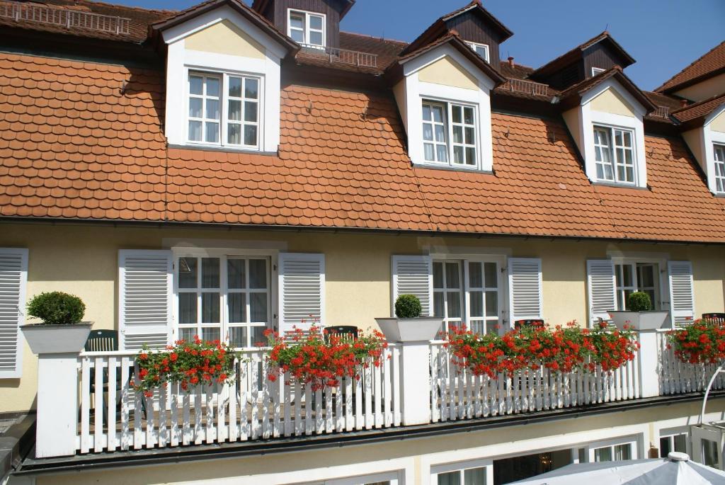 arvena reichsstadt hotel bad windsheim online booking viamichelin. Black Bedroom Furniture Sets. Home Design Ideas