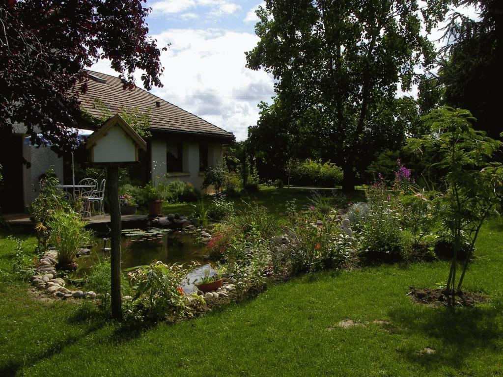 Aux jardins d 39 alice tavaux informationen und buchungen for Aux jardins