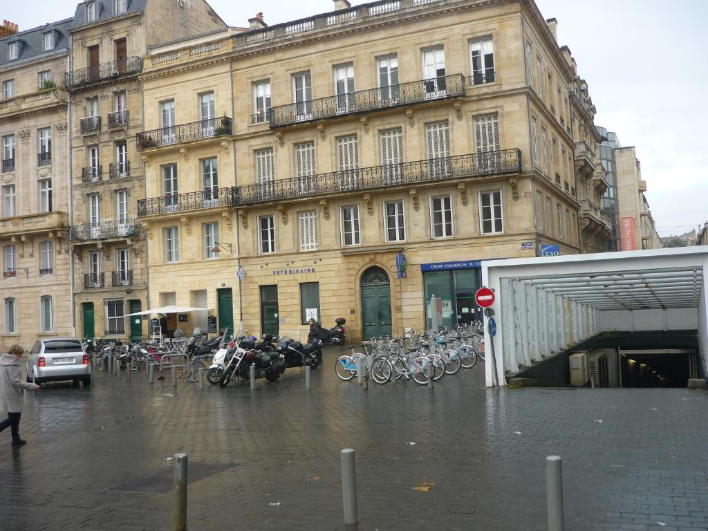 Appartement studio beauregard bordeaux france for Logement studio bordeaux