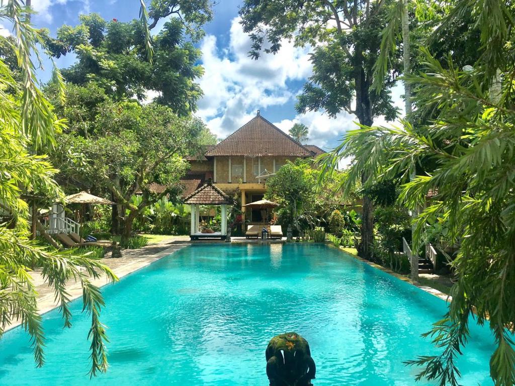 Ubud garden villa r servation gratuite sur viamichelin for Garden pool villa ubud village resort
