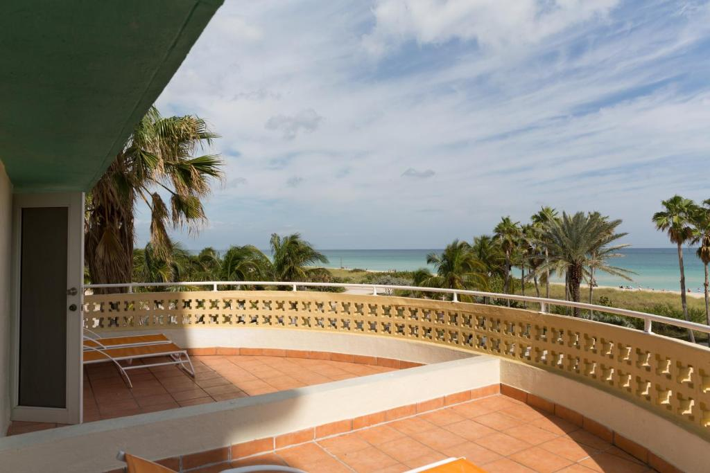 Ocean Surf Hotel  Ocean Terrace Miami Beach Fl