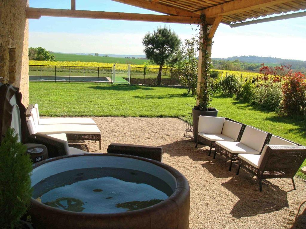 gite lespeyronnis (França Saint-Félix-Lauragais) - Booking.com