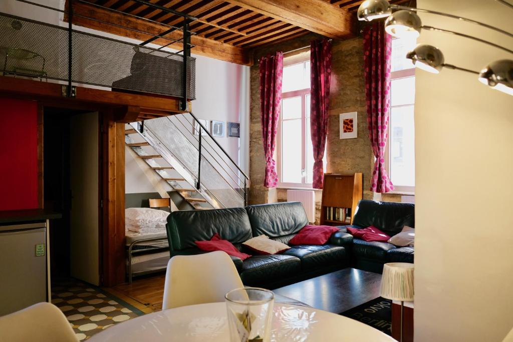 le loft des canuts li n reserva tu hotel con viamichelin. Black Bedroom Furniture Sets. Home Design Ideas