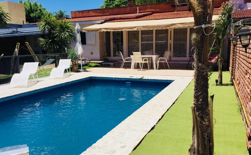Casa de vacaciones departamento tipo casa c piscina c for Casas c piscina