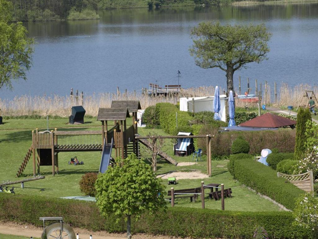 Haus schwanensee eutin online booking viamichelin for Haus schwanensee