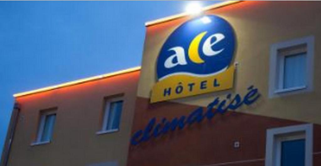 ace hotel brive r servation gratuite sur viamichelin. Black Bedroom Furniture Sets. Home Design Ideas