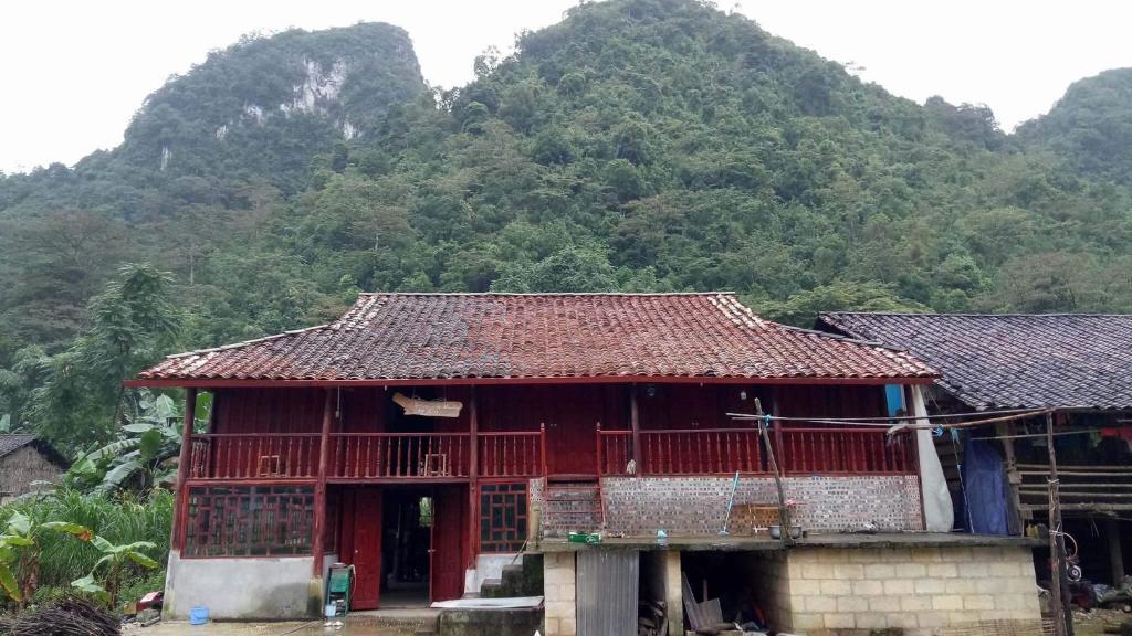 Tòa nhà nơi chỗ nghỉ nhà dân tọa lạc