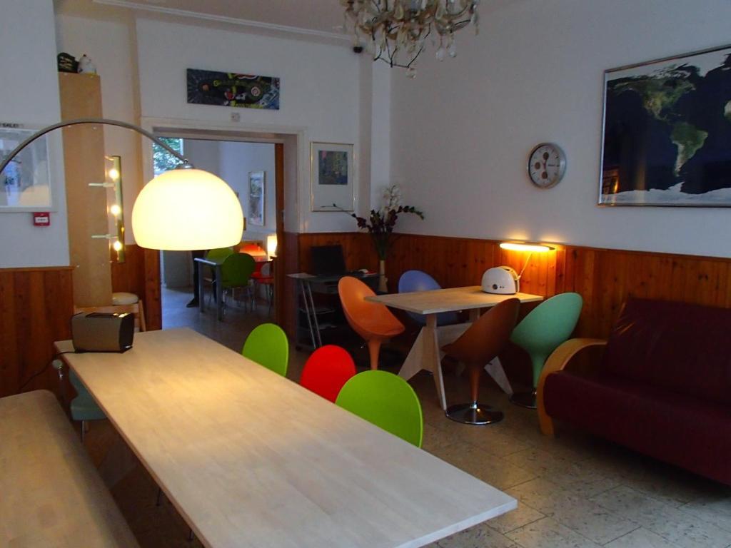 bicycle hotel amsterdam amsterdam informationen und buchungen online viamichelin. Black Bedroom Furniture Sets. Home Design Ideas