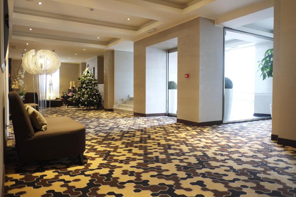 Hotel principe di torino turin book your hotel with for Hotel design torino