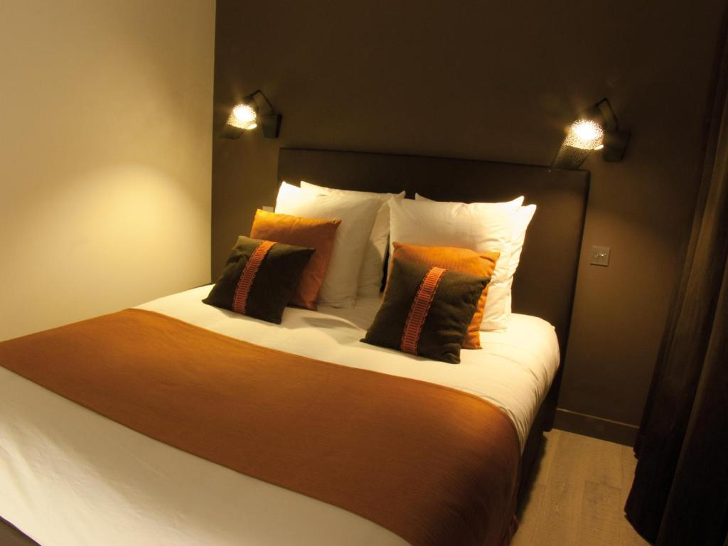 la maison de l a paris online booking viamichelin. Black Bedroom Furniture Sets. Home Design Ideas