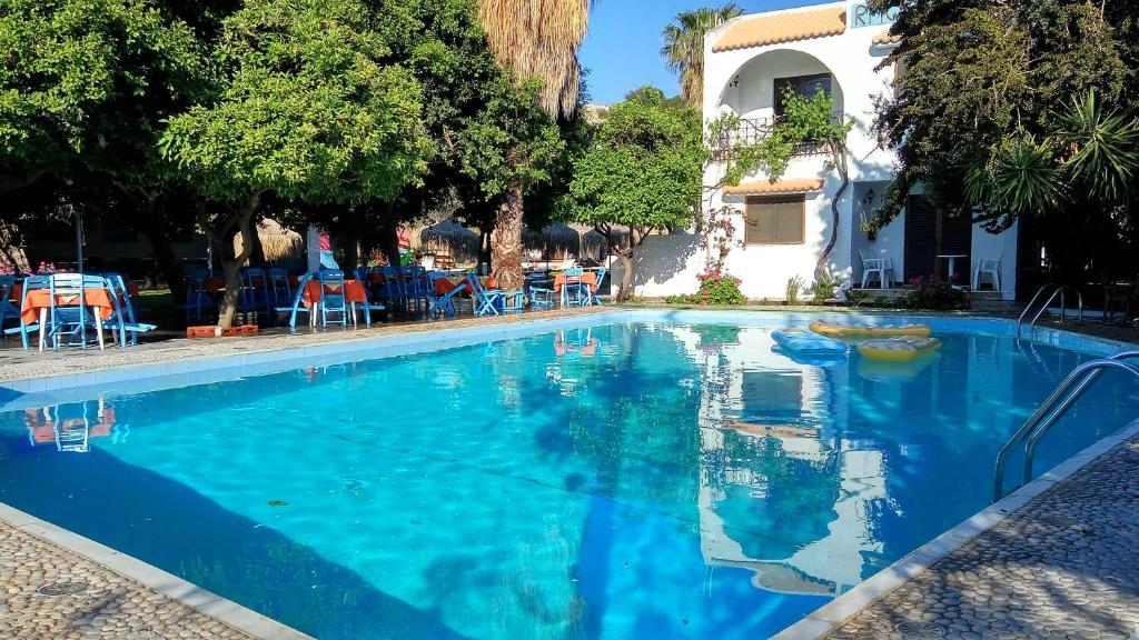 Oasis Hotel Bungalows Rhodes Reservar ahora. Galería de imágenes de este alojamiento ...