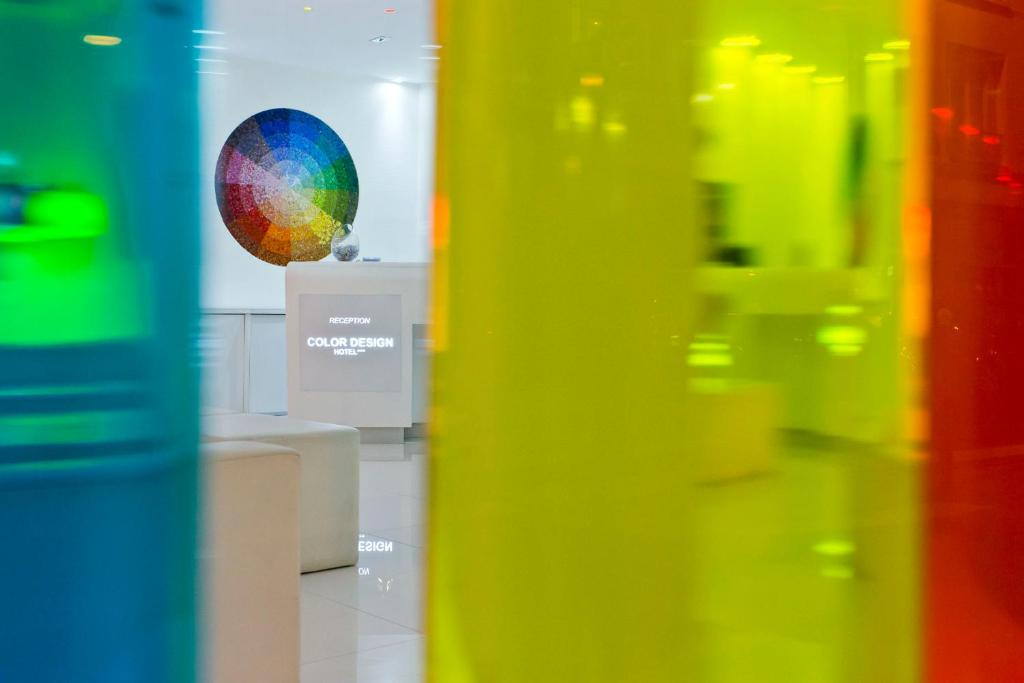 Color design hotel parigi prenotazione on line for Color design hotel 75012