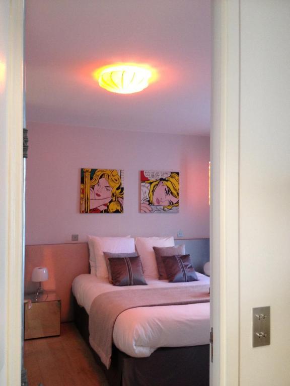 la maison de l a parigi prenotazione on line viamichelin. Black Bedroom Furniture Sets. Home Design Ideas
