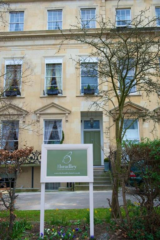 The Bradley Guest House Bed And Breakfast Cheltenham