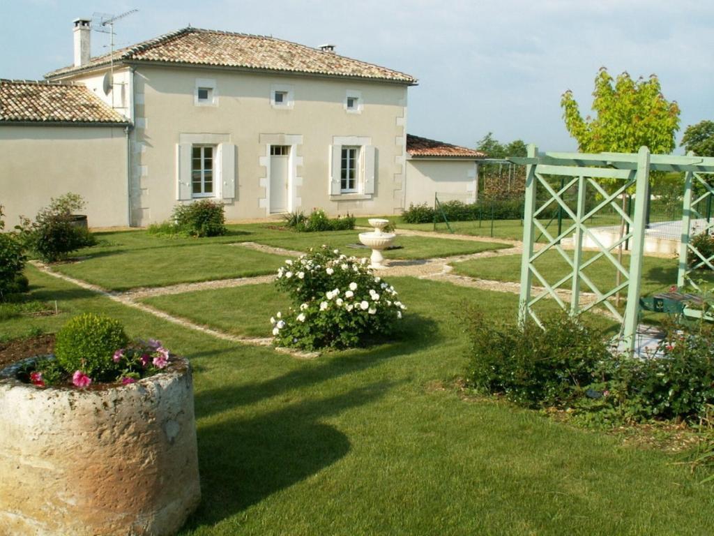 Chambres d 39 h tes l 39 en haut des vignes jarnac book your for Chambre d hotes semur en auxois